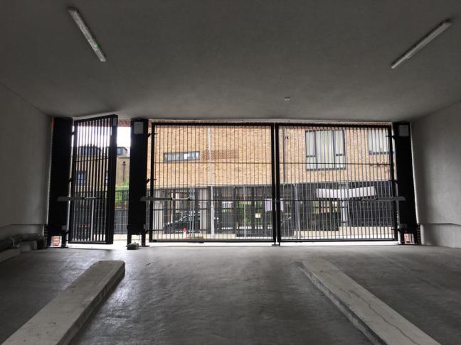 r Entrance Gates